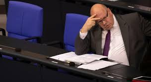 Peter altmaier is a german lawyer and politician who has served as federal minister for economic affairs and energy since march 2018. Kritik Am Wirtschaftsminister Die Krise Des Peter Altmaier Wirtschaft Tagesspiegel