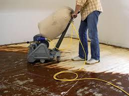 Die maschinen sollten auf jeden fall auf einzelfundamenten stehen, die vom übrigen fussboden getrennt sind. Dielenfussboden Aufarbeiten So Gelingt Es Bauhaus