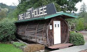 La Maison En Forme De Toilette