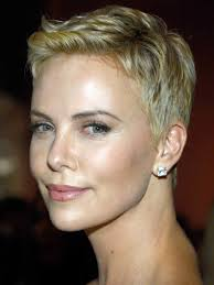 Charlize Theron Short Hair Style oscars 2013 charlize therons sexy short hairstyle beautyeditor 4095 by wearticles.com