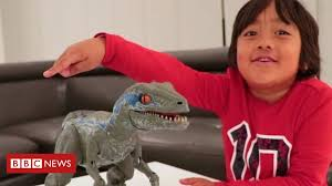 YouTube top earners: The <b>seven</b>-year-old making $22m - BBC News