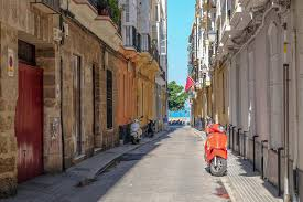 Day Trip to Cádiz from Seville • The Blonde Abroad