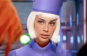 Sophia Goth as the Check-in Attendant in The Fifth Element   Fifth ...