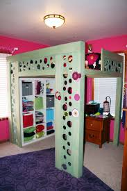 Room  bunk beds ...