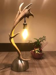 Geweih Tischlampe In 2019 Geweih Lampe Tischlampen Und