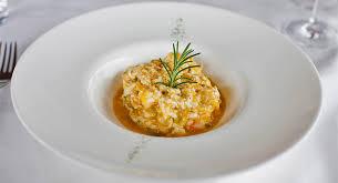 Este Plato Está Cocinado Con Una Base De Huevos Que Posteriormente  Mezclaremos Con El Bacalao Migado. Lo Podemos Acompañar Con Unas Tostas De  Pan.