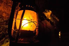 Kết quả hình ảnh cho hình ảnh ngọn đèn của mẹ