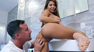 Madison Ivy Gets Pussy Licked