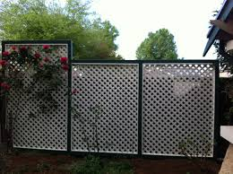 Painted Fences simple wooden privacy screen on decks design featuring varnished 5109 by xevi.us