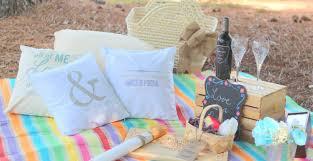 newlywed picnic gift basket and free printable