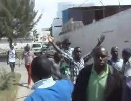 Nigeria Vandalization In Nation Nigerian Video Of Embassy The Senegal Zzw8qCW