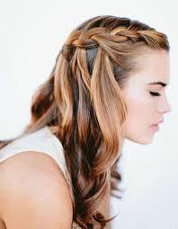 Belle Coiffure Femme Cheveux Longs Attaches Coiffure Pour