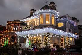 Christmas Light Installation Newport Beach Ca The Stomber House On Balboa Island Newport Beach