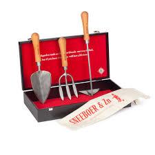 Наборы <b>садовых инструментов</b>: купить <b>набор</b> для садовода