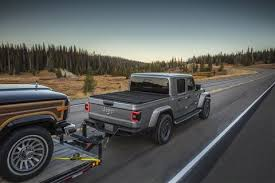 Jeep Towing Chart 2020 Jeep Gladiator Towing Jeep Wrangler Pickup Diesel Vs