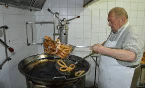 Resultado de imagen de haciendo churreros
