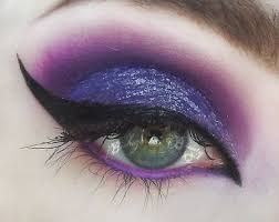 love you with poison witch eyes for this would be great if you were ursula or maleficent