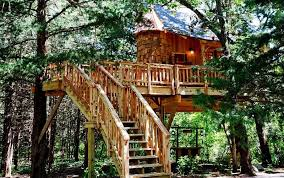 luxurious tree house. Ultramodern Treehouse Playgrounds. Adult-Oriented Treehouses Luxurious Tree House A