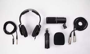 Rundum Sorglos Paket für Zoom Recorder - das ZDM-1 Podcast Mic Pack ::  Bonedo