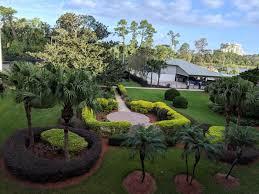 great lanscaping at wyndham garden in walt disney world resort