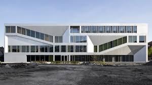 H Rsaal Campus Kassel Von Raumzeit Farbenlehre In Beton