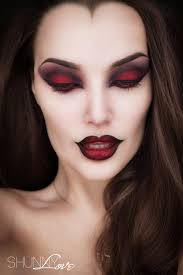27 terrifyingly fun halloween makeup ideas you ll love