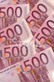 Es uno de los billetes con el valor más alto en el mundo. Quinientos Euros Fotografias De Stock Freeimages Com