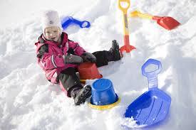 Игры зимой для детей развлекаем детей с пользой Развлечения со снегом