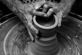 フリー写真 器を作る陶芸家の手 パブリックドメインq著作権フリー