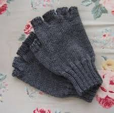 Free Fingerless Gloves Knitting Pattern Stunning These Fingerless Gloves By Sccpinner Are Great Gifts For Someone