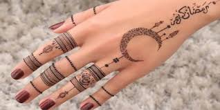 Henna Wrist Designs 13 Stunning Ramadan Themed Henna Designs Beauty Homepage