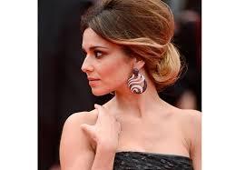 تسريحات شعر بحسب الأزياء Yasmina
