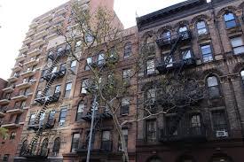 Nyc Appartments nyc apartment hunting tips 7 new york rental hacks tracys new 2158 by uwakikaiketsu.us