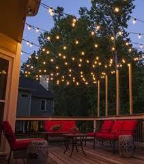 How To Hang Christmas Lights On A Deck Easy Diy Outdoor Christmas Lighting Hacks 32 Backyard
