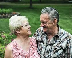 James and Jeanette Johnson   Obituaries   hometownsource.com