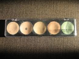 as you can see palette holds 5 shades x 2g 10g of 4 skin tones