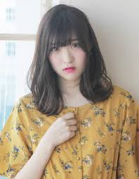 ふんわりカール可愛い小顔ミディアムヘアto 18 ヘアカタログ髪型