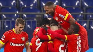 Nach den ersten kennenlerntagen sollte am ende der woche ein teamevent zum besseren. Bayer Leverkusen Nach Sieg Auf Schalke Verfolger Des Fc Bayern