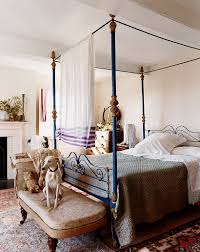 iron canopy bed.