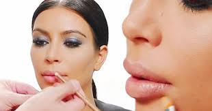 watch how to recreate kim kardashian s pout with just three simple make up tricks mirror