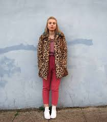 dusty pink outfit leopard faux fur coat autumn winter colourful ootd pastel grunge