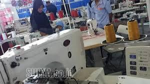 Dr soetomo, masuk lewat jl. Pameran Mesin Produksi Pakaian Di Surabaya Pengunjung Bisa Coba Mesin Potong Kain Hemat Listrik Surya