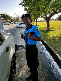 Hospital Security Guard Hospital Security Guard Praised For Helping Visitor Change Tyre