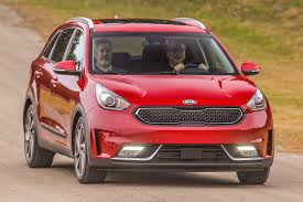 2018 kia niro interior. interesting niro 2017 kia niro front three quarter in motion 02 throughout 2018 kia niro interior