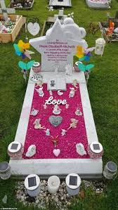 Grave Decoration Grieving Mum Sets Up Business Decorating Baby Graves To Help Deal