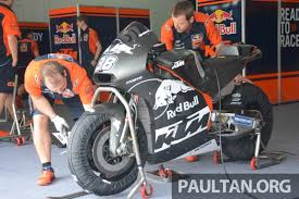 2018 ktm rc16. simple ktm after the race debut of 2017 ktm rc16 motogp bike at valencia  spain last year many have asked what new kid on block is like  throughout 2018 ktm rc16 a