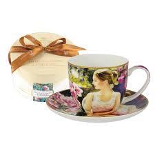 <b>Чашка с блюдцем девушка</b> с книгой Carmani CAR2-045-0227