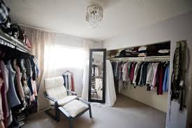 walk in closet room. Look Walk In Closet Room O