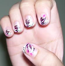 18 Nail Art Design Ideas for Short Nails - Womanmate.com