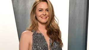 She is the daughter of didi (radford), a former flight attendant, and monty silverstone, a real estate investor. An Early Lesson In The Toughness Of Hollywood The Return Of Alicia Silverstone The First Victim Of The Internet Icon Digis Mak